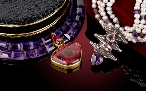 Vintage Jewellery & Accessories